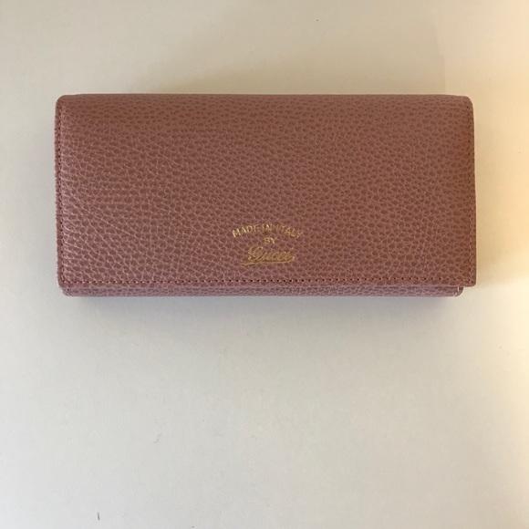 3cd9e4959194 Gucci Bags | Nwot Swing Dollar Calf Wallet | Poshmark